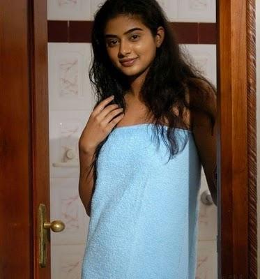 ப்ரியாமணி டவல்